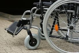 انواع ویلچر برای افراد کم توان در بازار چند؟ + قیمت