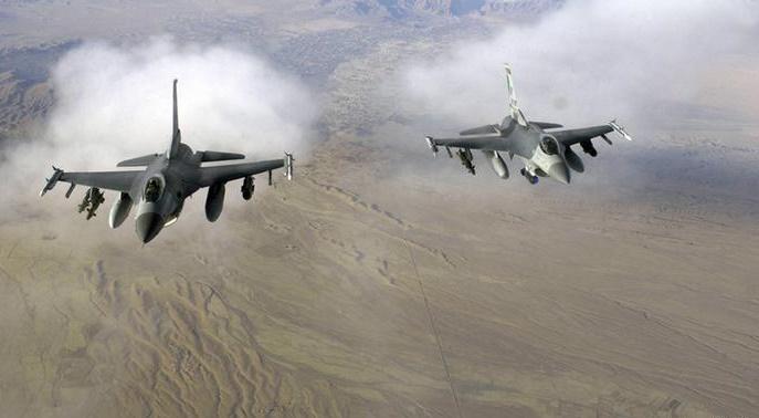 حملات هوایی ناتو به غیر نظامیان و نیروهای ارتش افغانستان
