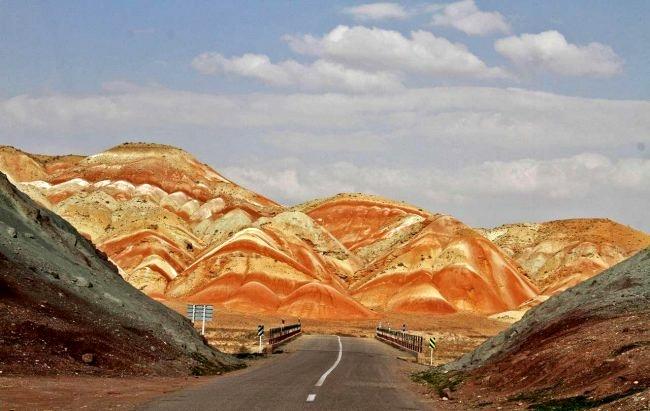 از دودکش جن تا دریاچه پری در یک مکان عجیب/ «ماهنشان» کجای ایران است؟+ تصاویر
