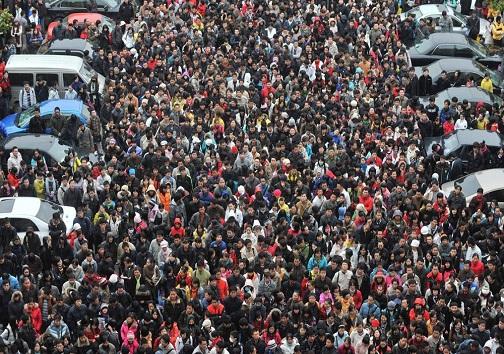 کاهش جمعیت، معضل جدیدی که گریبان جوامع را گرفته است/ جمعیت زیاد، یک ارزش اجتماعی و برکت است