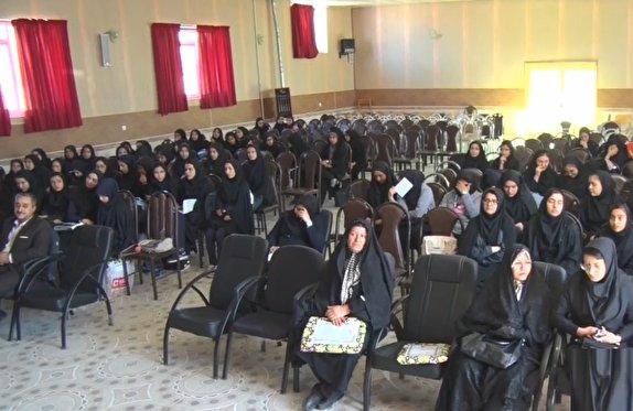 باشگاه خبرنگاران -آموزش شیوههای نوین برنامه ریزی و مطالعه به دانش آموزان فراهانی