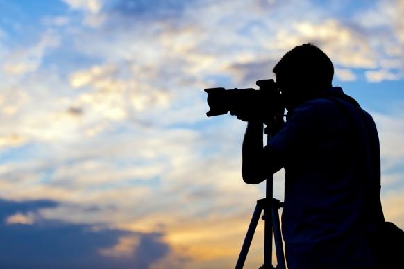 لزوم استفاده از عکاسان و فیلمبرداران داری مجوز قانونی در مراسمات