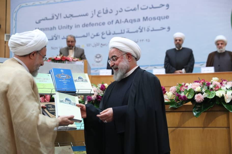 رونمایی از آثار برگزیده علمی و تقریبی مجمع جهانی تقریب مذاهب اسلامی با حضور روحانی