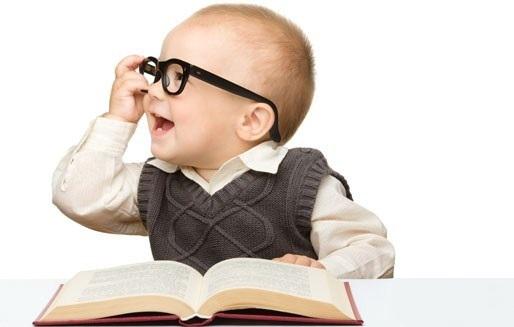 چگونه کودک دو ساله خود را به کتاب و کتابخواندن در سالهای آینده علاقمند کنیم؟