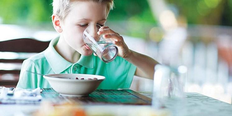 آیا همراه غذا «آب» بخوریم؟