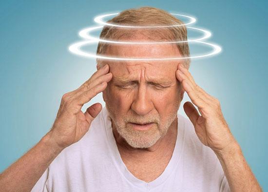 همه آنچه باید دربارهی سرگیجه و دلایل آن بدانید