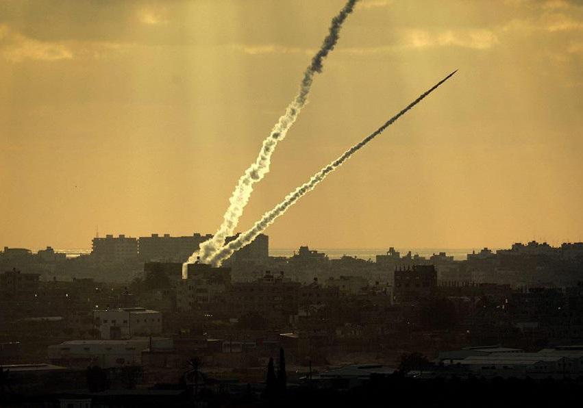 شهرک صهیونیستی بئر السبع هدف شلیک موشک از غزه قرار گرفت