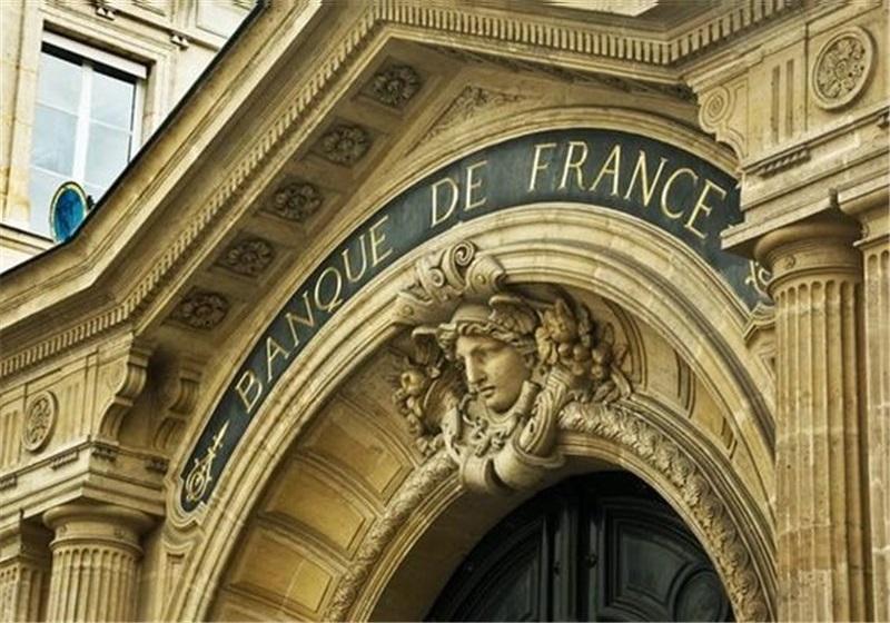 ۲ نفر در فرانسه در ارتباط با پرونده سوء قصد به مکرون بازداشت شدند