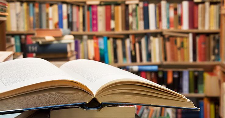 ۵ هزار جلد کتاب به کتابخانههای نهاوند اهدا شد