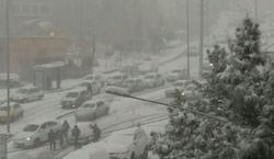 آیا مدارس و ادارات تهران تعطیل می شود؟/ بارش برف سنگین در تهران