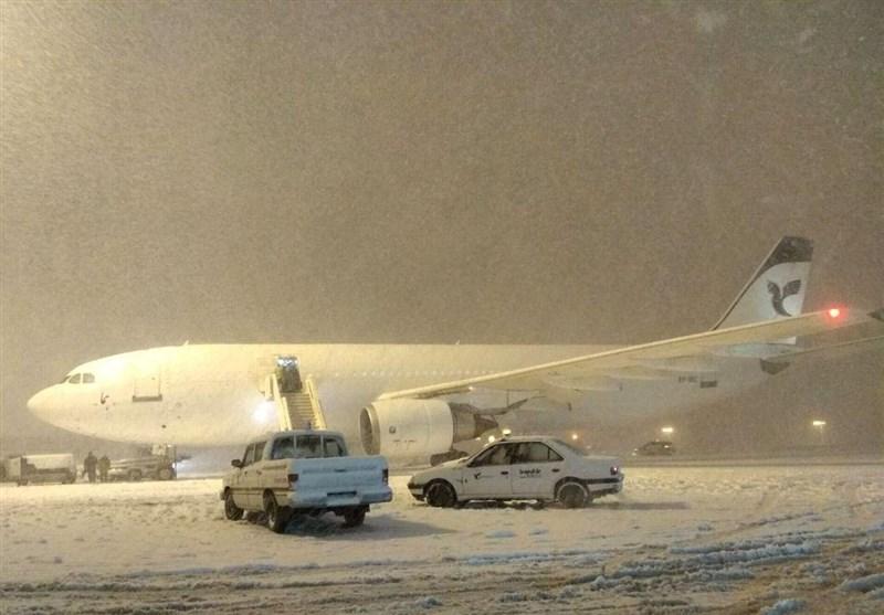 روال عادی پروازهای مهرآباد با توجه به شرایط جوی