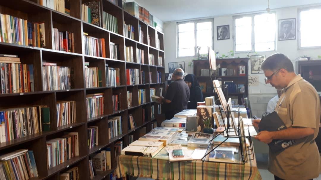 طلوع کتابخوانی / قصه پیرمردی که گذر عمر  او را با انگیزه تر کرده
