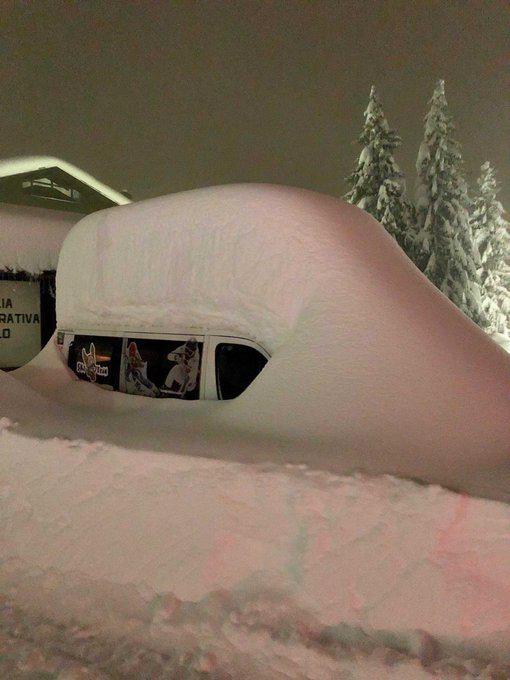 بارش ۱.۵ متری برف در ایتالیا + تصاویر