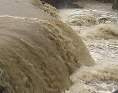 بارش شدید باران موجب آب ّگرفتگی ۵۰۰ خانه در صومعه سرا و قطع برق در شفت شد