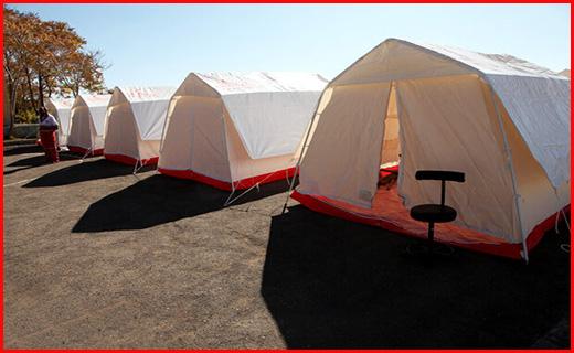 دمای زیر صفر زندگی را بر زلزله زدگان چادرنشین سخت کرد