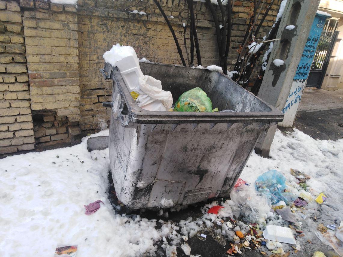کاظمی/ / همه مخازن زباله منطقه ۳ دیشب تخلیه شدهاند