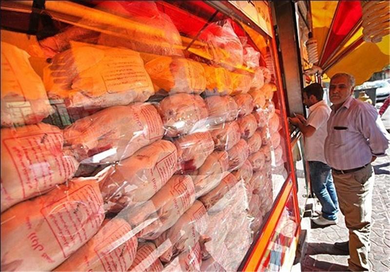 ذخیره سازی ۷۰ هزار تن مرغ منجمد برای تزریق به بازار در صورت افزایش قیمت / قیمتهای فعلی بازار همانند هفته قبل است