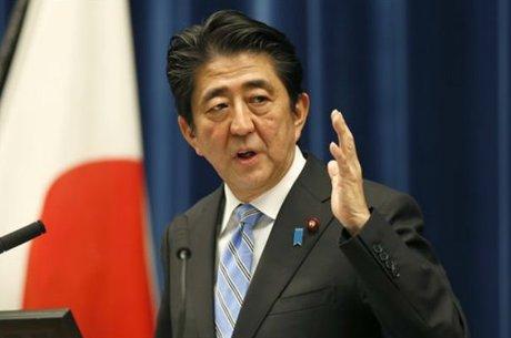 آبه به رکورد طولانیترین دوره نخستوزیری ژاپن دست یافت
