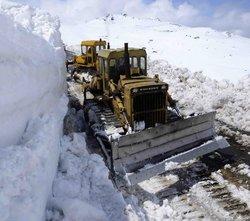 نجات دو کوهنورد فرانسوی گرفتار در برف