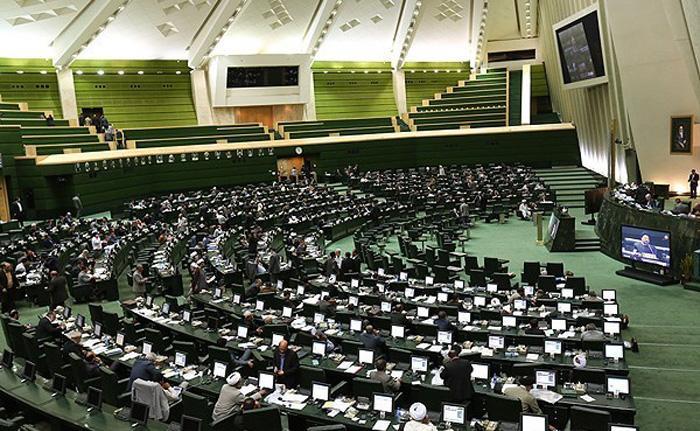 نقوی حسینی: لازم است که برای کنترل قیمتها جلسهای بین قوای سه گانه برگزار شود / لاریجانی: این موضوع را پیگیری خواهم کرد