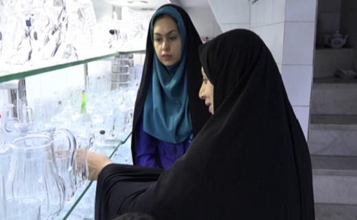 غربت تولیدات داخلی در بازار ایرانی/ مرغ همسایه غاز نیست
