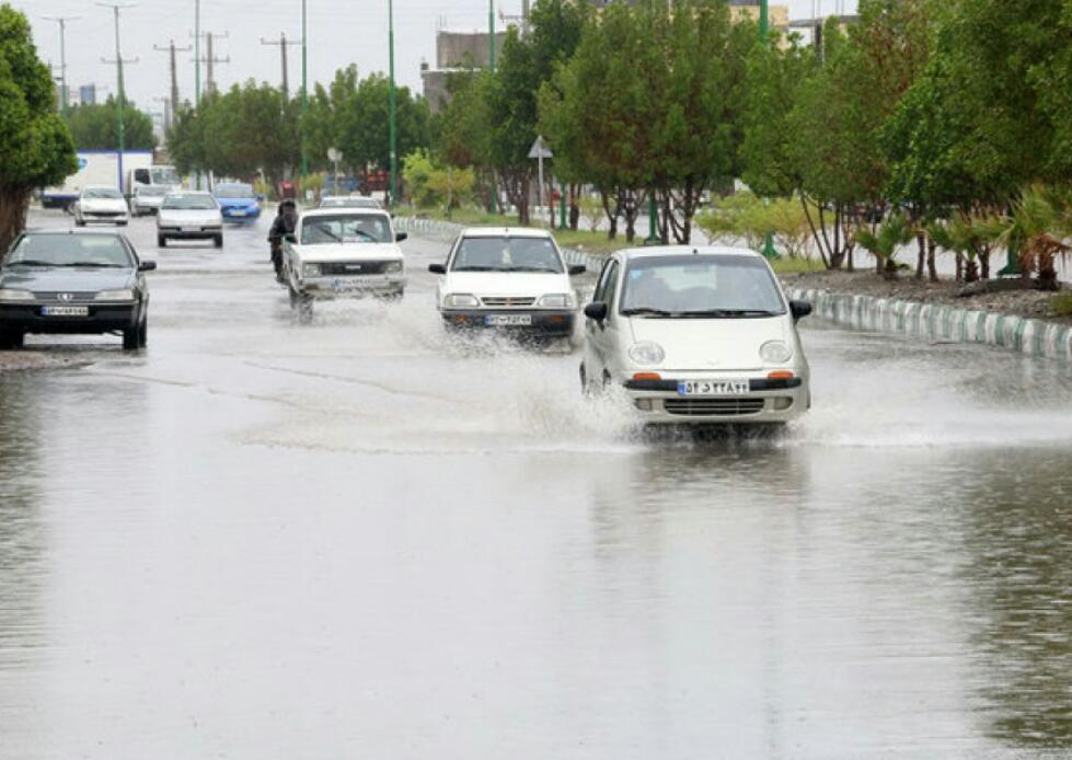 هدایت آبهای سطح معابر نظرآباد به تالاب صالحیه