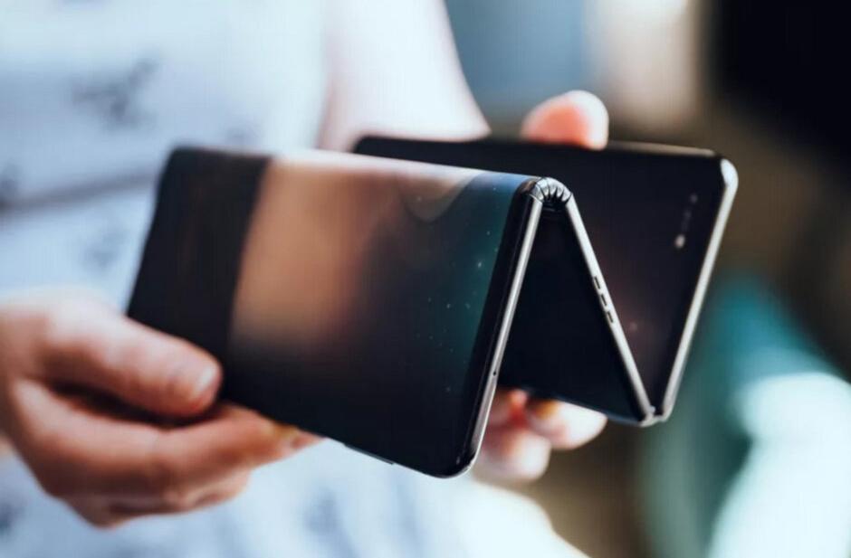 طراحی جدیدترین گوشی منعطف جهان منتشر شد + تصاویر