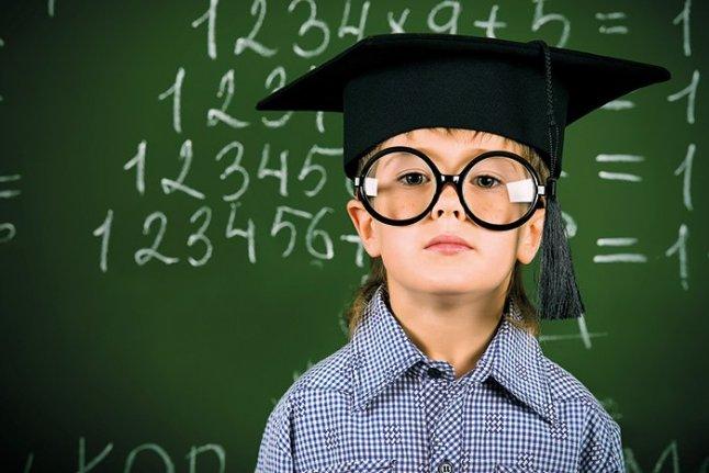 ساعت13/ ایزدخواه/راهکارهایی ساده برای اصلاح درشت نویسی دانش آموزان