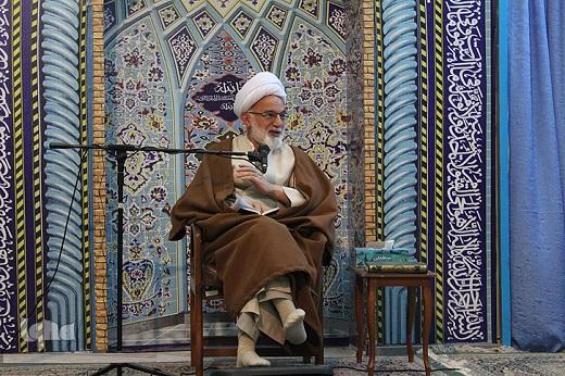 دشمنان با دوگانگی و تشکیک در خاور میانه قصد ضربه زدن به ایران را دارند
