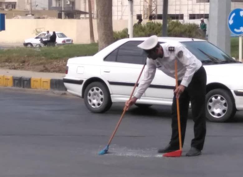 وقتی پلیس بوشهر آثار تصادف را جارو میکند