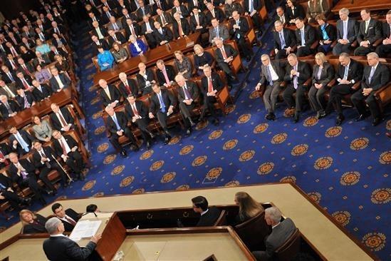 بررسی گزارش کمیته اطلاعات کنگره درباره استیضاح ترامپ