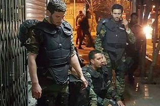 نیروهای یگان ویژه در خیابان + عکس