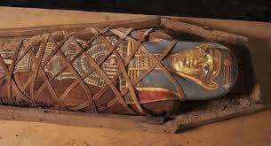 اسرارآمیزترین مومیاییها / از جمجمه شکسته همسر فرعون تا محتویات جیب مردان هخامنشی