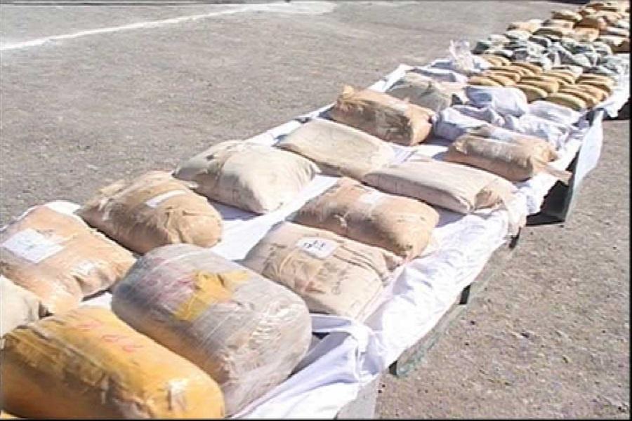 گسترش چتر مبارزه با مواد مخدر پلیس استان مرکزی / ۲۲۵ کیلوگرم مواد مخدر به استان مرکزی نرسید