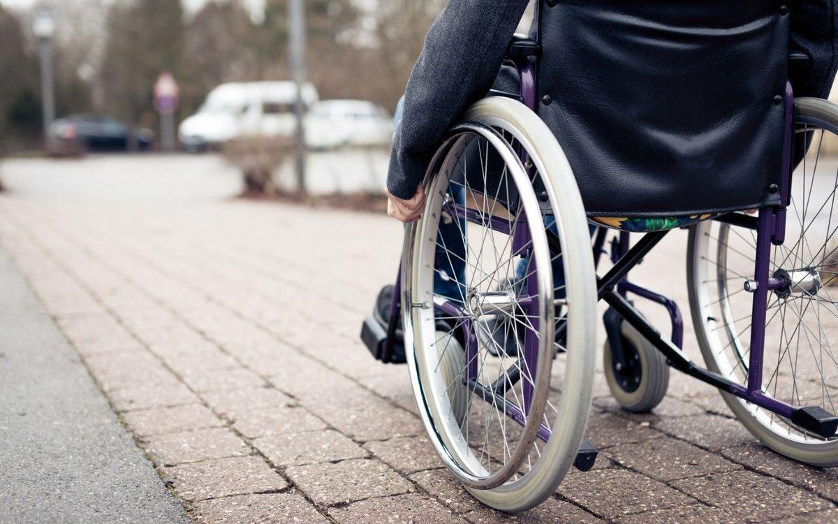 باشگاه خبرنگاران -اهدا هزار و ۲۰۰ بسته توانبخشی و بهداشتی به معلولان/ اجرای قانون حمایت از افراد دارای معلولیت مطالبه اساسی معلولان