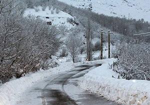 بارش ۱۰ سانتیمتر برف در کوهرنگ