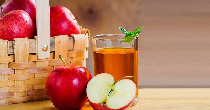 فواید نوشیدن آب سیب