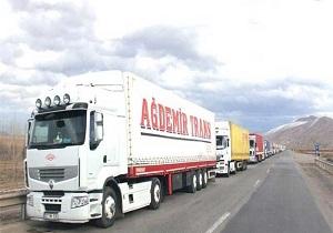 ورود کامیونهای بدون مجوز بارگیری به بندر شهید رجایی  ممنوع می شود
