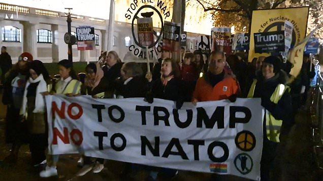 خیابانهای لندن صحنه اعتراضات مردمی به برگزاری نشست سران ناتو