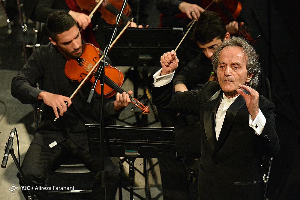 اجرای زمستانه ارکستر سمفونیک تهران به رهبری شهرداد روحانی