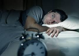 چرا در طول شب چندین بار در ساعاتی مشخص از خواب میپرید؟
