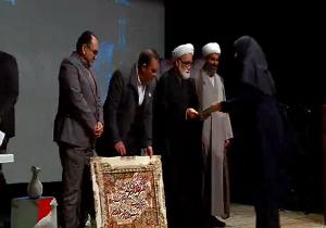 تجلیل از داوطلبان برگزیده هلال احمر استان قزوین
