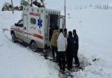 باشگاه خبرنگاران - نجات جان مادر باردار گرفتار شده در برف
