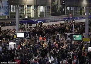 اعتصاب بیش از ۵۰ درصد کارگران شرکت ملی راه آهن فرانسه