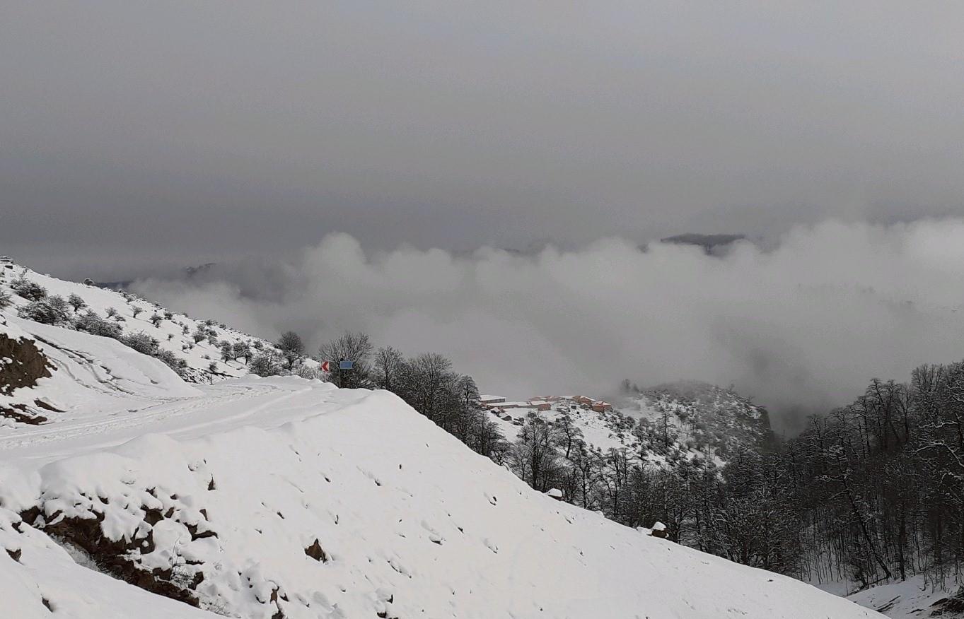 خروج سامانه هوای سرد و بارشی از اواخر وقت فردا / ارتفاع ۲۰ سانتی متری برف / دریا بری صیادی نامناسب است + عکس