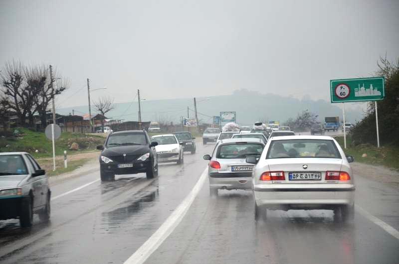 سطح جاده ها لغزنده است، رانندگان احتیاط کنند