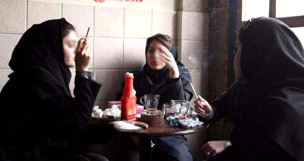 دخترانی که جوانی خود را دود می کنند/ آیا سیگار کشیدن نشانه روشنفکری است؟