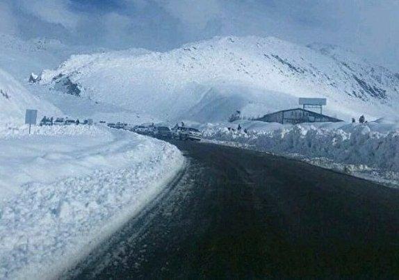باشگاه خبرنگاران -ارتفاع برف در گردنه کاکان بویراحمد به بیش از ۶۰ سانتیمتر رسید