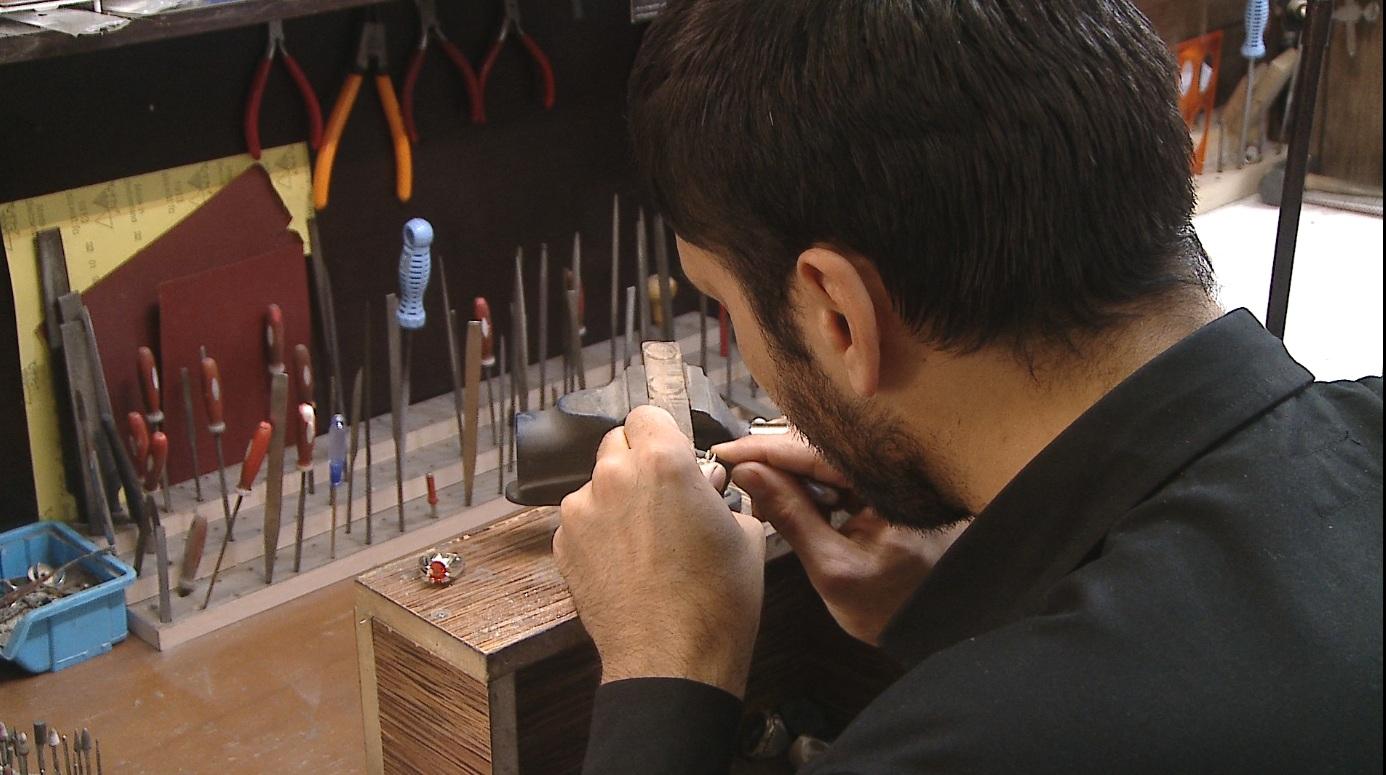 کشورهای عربی مشتریان اصلی انگشترهای فاخر  و دست ساز هنرمندان زنجانی
