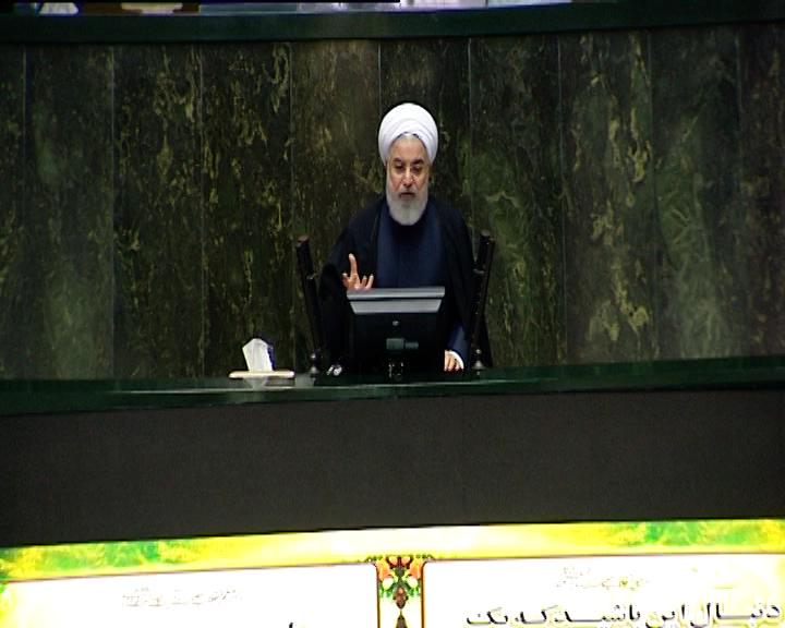 روحانی : شبکه ملی اطلاعات را آن چنان تقویت کنیم که مردم نیازی به خارج نداشته باشند + فیلم